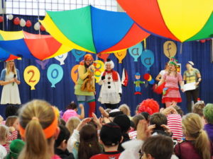 Karneval in den Klassen @ Klassenräume