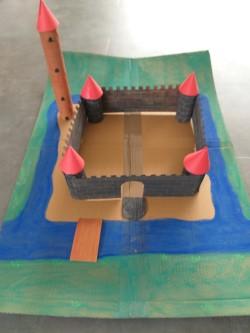 Burg mit Klorollen Raphael 1